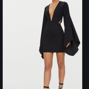 BLACK FLARED SLEEVE CUT OUT BODYCON DRESS
